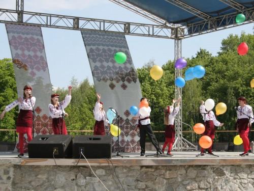 День защиті детей 2009г. Певческое поле.